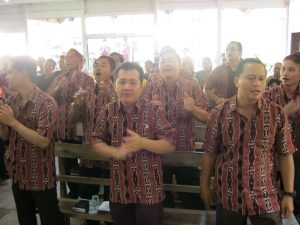 Perkaria GKII Bethel Semangat memuji Nama Tuhan Yesus