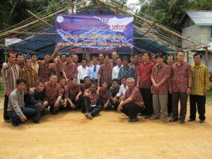 Photo bersama Perkaria GKII Bethel Sintang dengan Perkaria GKII Gunung Moria Tembawang Alak 2