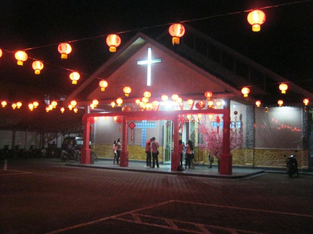 Lampion yang indah menghiasai GKII Bethel Sintang pada Imleh 2566