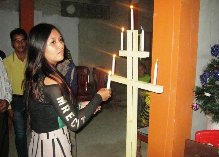 Natal Jerora 2015_Penyalaan Lilin Natal olehPerwakilan Remaja