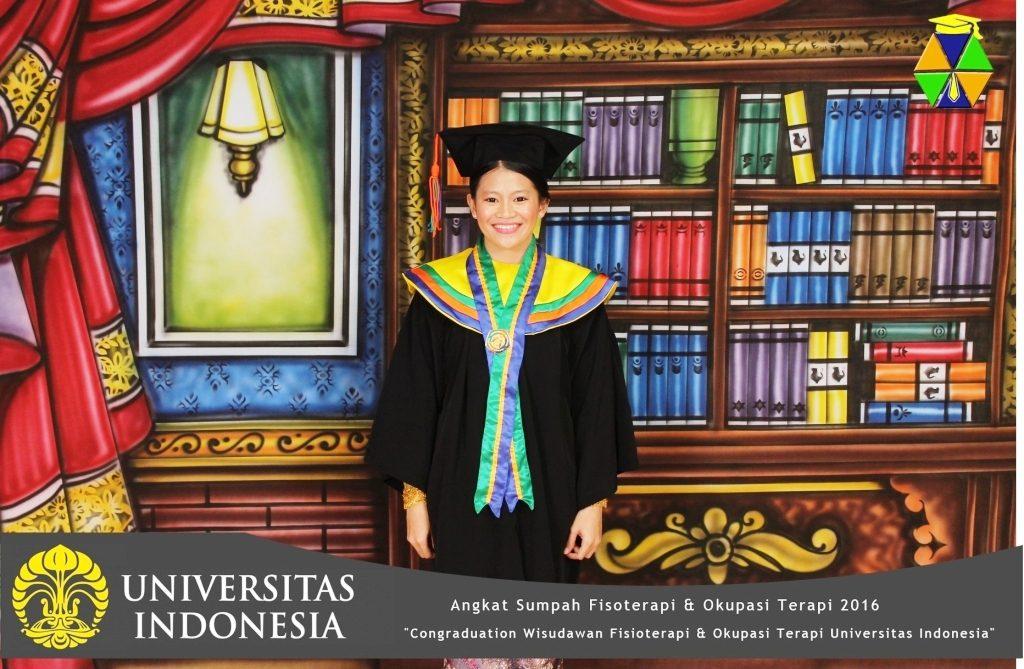 SELAMAT & SUKSES: Vascalya Carlina Sari, A.Md.OT - telah diWisuda Diploma (D3) pada tanggal 27 Agustus 2016 di universitas Indonesia- Jakarta