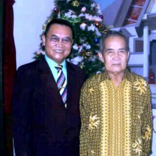 Photo Bp. Yohanis dan Putranya - Bp. Pdt. Yefta Yohanis