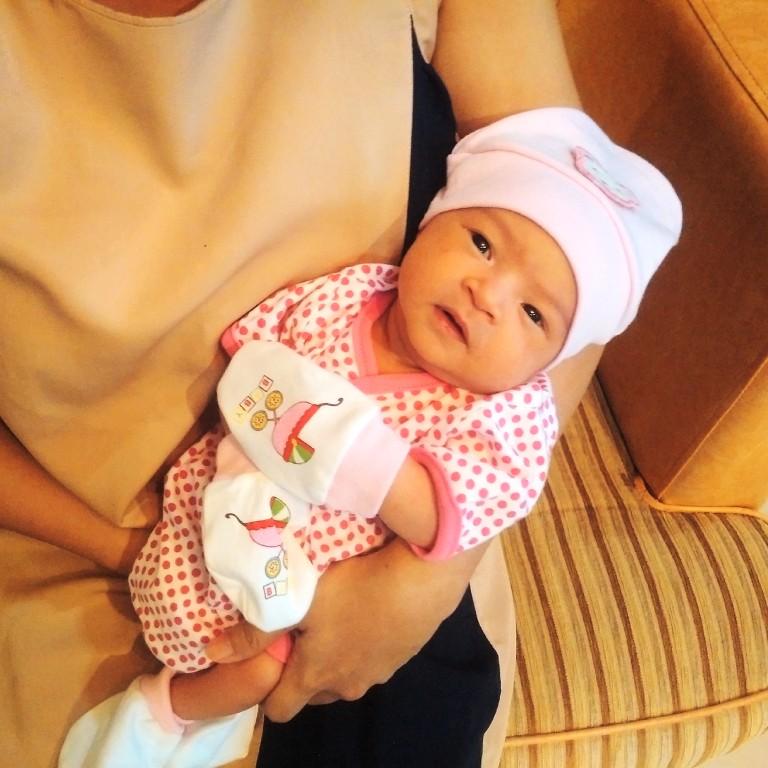 Vara Vanessa Salim di lahirkan di Sintang pada tanggal 27 Agustus 2016.