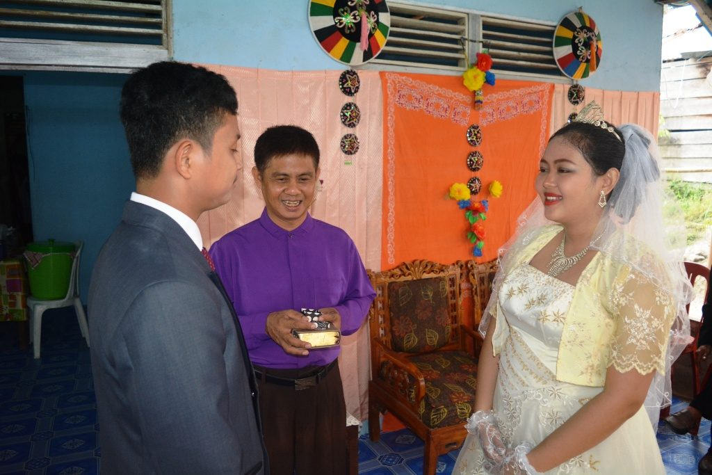 Setra Novian Tora & Niken Yosephine ... keduanya saling mengucap janji setia sampai akhir